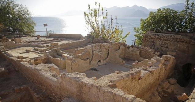 Hıdırlık Kulesi'nde arkeolojik kazı sürüyor