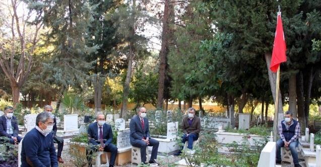 Şehit öğretmen Hacı Ömer Serin kabri başında dualarla anıldı