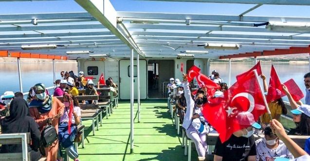 LGS öğrencilerine feribot turu