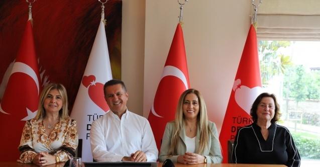 """Sarıgül: """"Dr. Özlem Türeci ve Dr. Uğur Şahin'e devlet nişanı verelim"""""""
