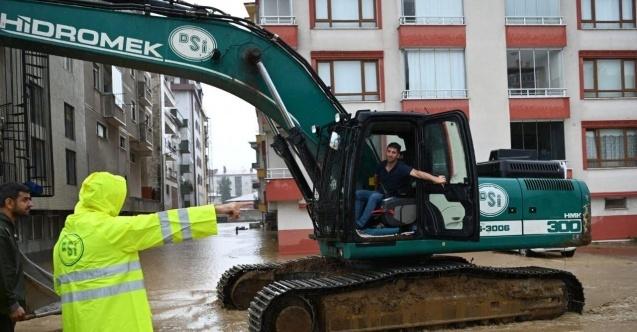 Bakan Pakdemirli, bir vatandaşın hayatını kurtaran DSİ Operatörü Şahinbaş'ı tebrik etti