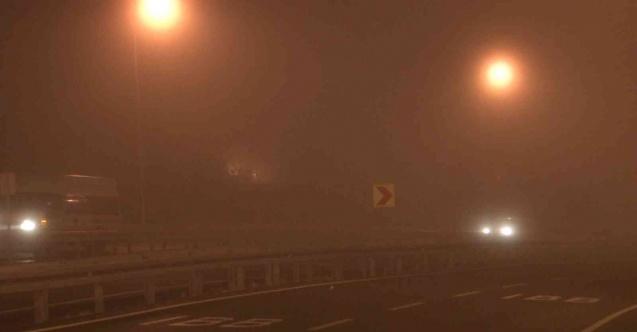 İstanbul güne sisle uyandı, sürücüler ilerlemekte güçlük çekti
